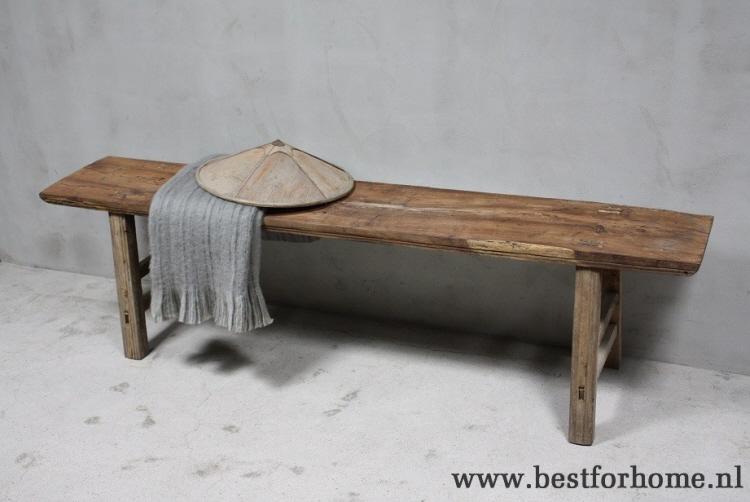 Oude landelijke doorleefde lange bank stoere oud houten